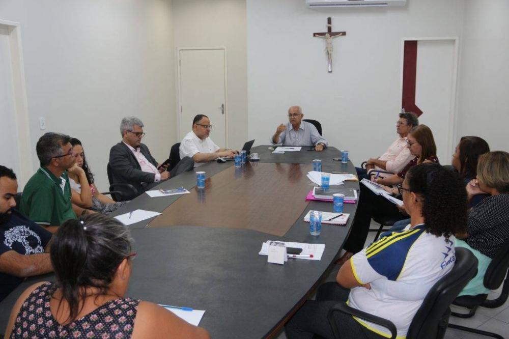 Teófilo e secretaria de Educação participam de alinhamento com representantes da FGV