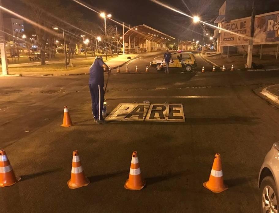 SMTT de Arapiraca revitaliza sinalização horizontal no Parque Ceci Cunha