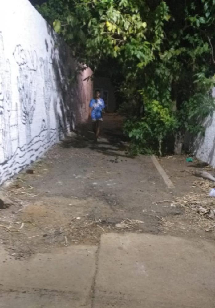 Abandonada, Casa Museu Graciliano Ramos serve de abrigo para moradores de rua em Palmeira