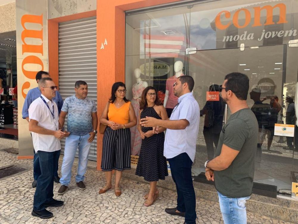Prefeitura de Arapiraca reúne representantes da Equatorial e classe empresarial para solucionar falta de energia no Centro